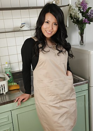Asian Housewife Pics